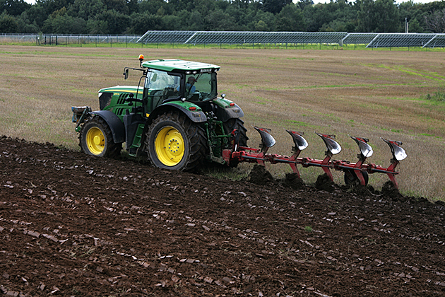 traktorius-LU8X5875-copy.jpg