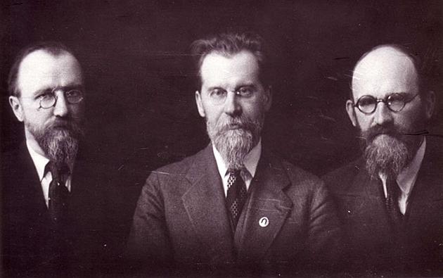 Viktoras-Mykolas-ir-Vaclovas-Birziskos-apie-1934-m-copy.jpg