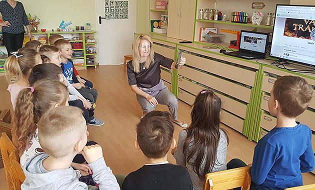 1Eglutes-mokytoja-Rima-Skrinskiene-copy.jpg