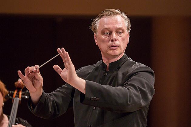 Dirigentas-Martynas-Staskus-small-copy.jpg