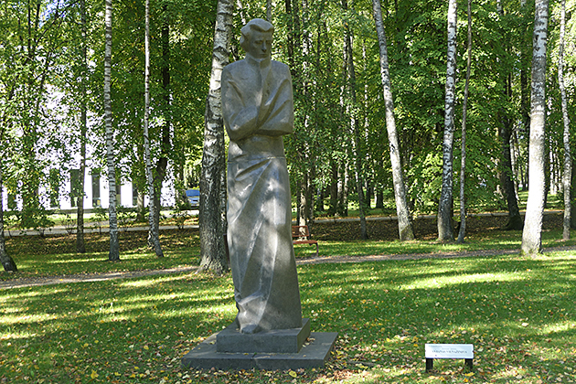 vienazindzio-skulptura-P1130810-copy.jpg